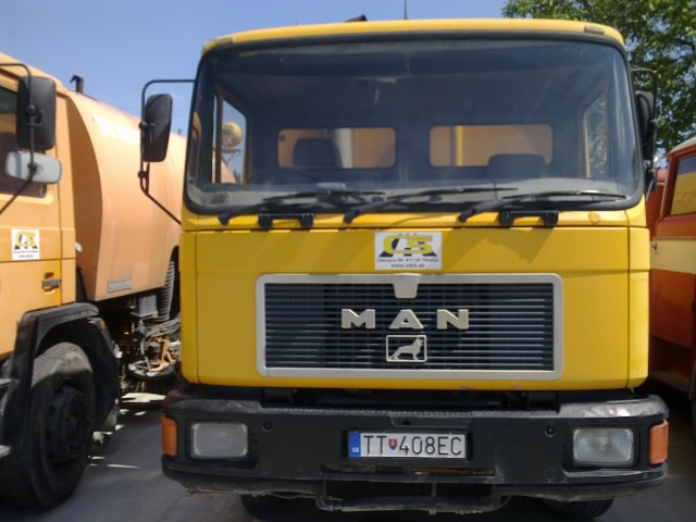 Zametacie vozidlo MAN 17.232 pravostranné